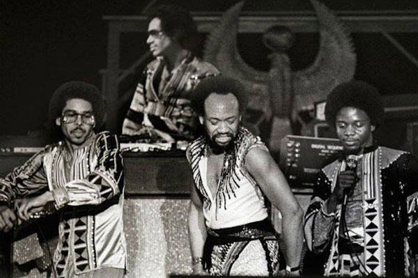 earth wind and fire greatest hits live 1996 download
