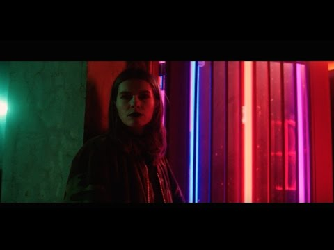 Video Vök - Show Me (Official Music Video)