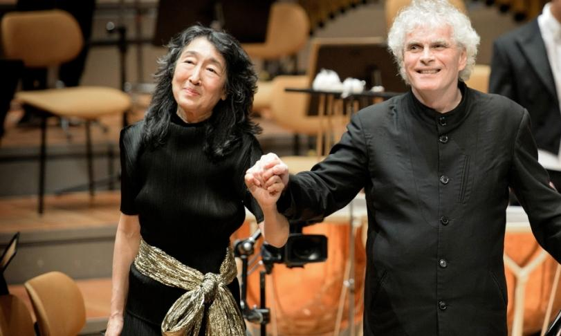 Review Berliner Philharmoniker, Mitsuko Uchida & Sir Simon Rattle - Beethoven: Piano Concertos 1-5